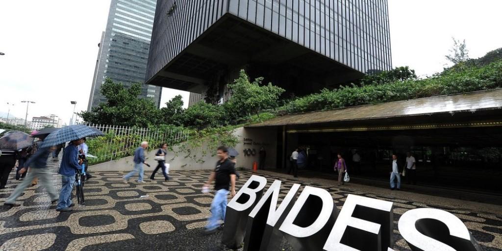 Portal-Acesse-Política-www.acessepolitica.com_.br-Aqui-você-sabe-o-que-ler.-BNDES